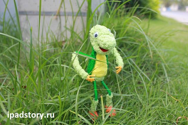 вязанный Кузя из мультфильма Лунтика