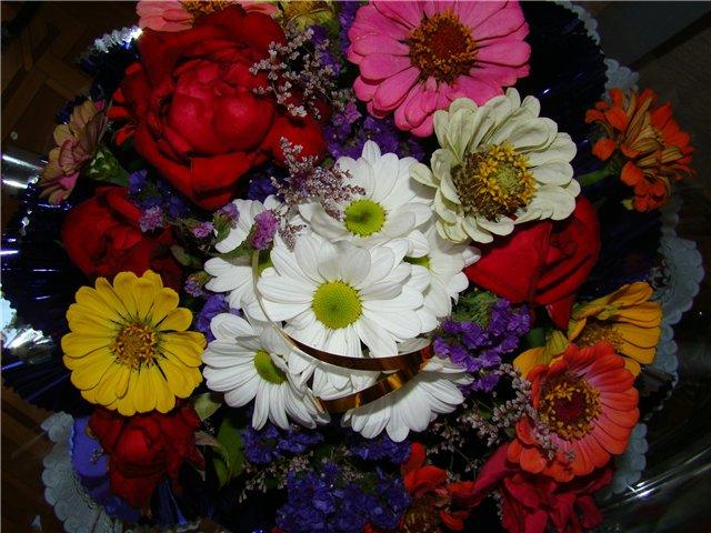 Букет из домашних цветов своими руками фото