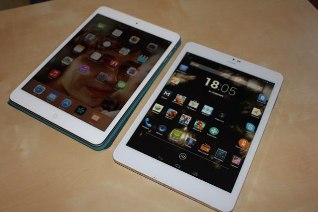 Слева iPad Mini, справа Iconbit NetTAB SKAT 3G QUAD