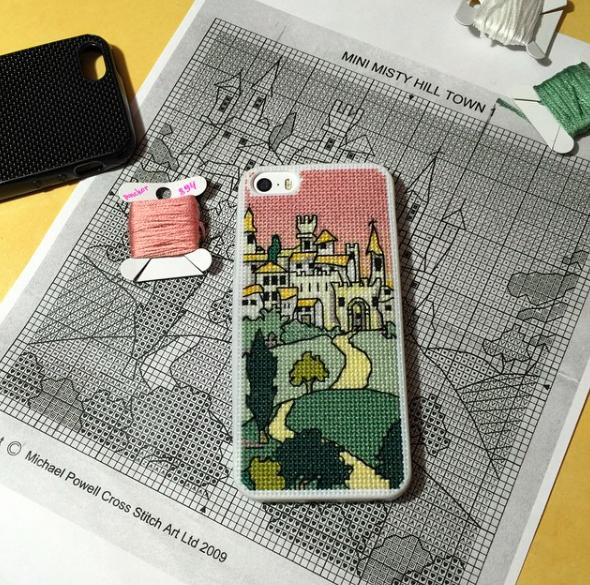 чехол для iPhone 5s с вышивкой