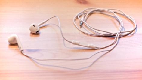 earpods-ali